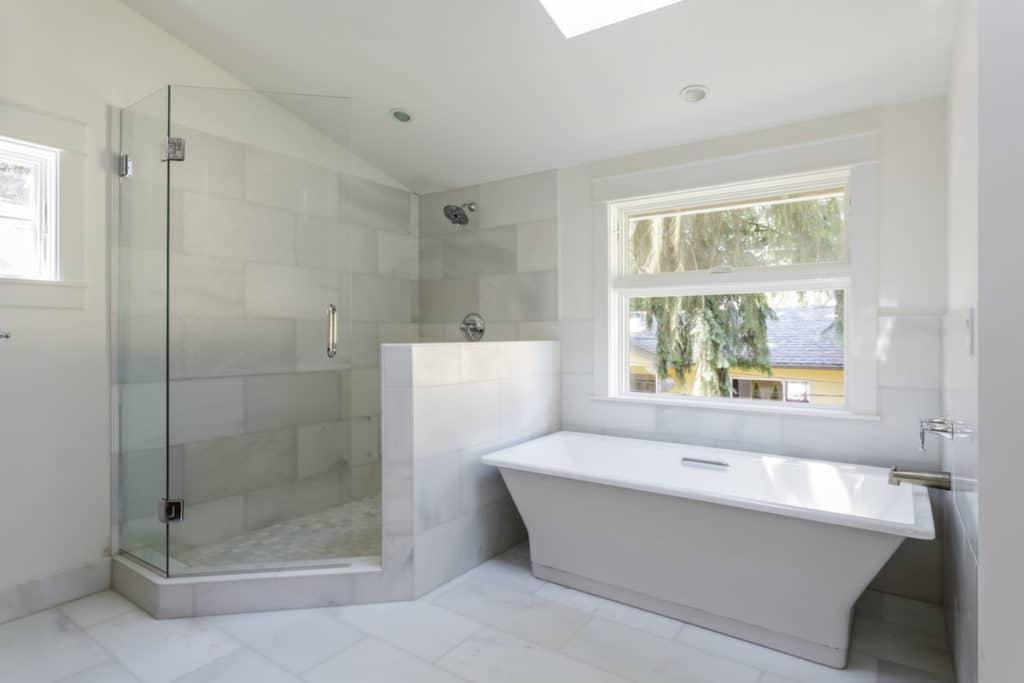 wanna czy prysznic Wanna czy prysznic? Jaki wybór jest lepszy?
